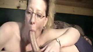 Nerdy wife films herself deepthroating a lengthy man sausage