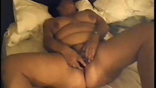 Wife wanking with a vibrator
