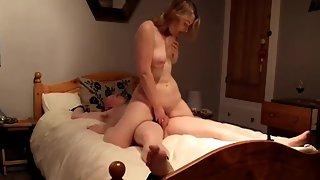 Brit hoe riding subordinated ex beau to orgasm